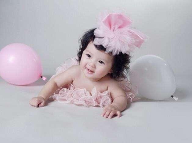 给刚出生的女宝宝起名字-起名大师秦华